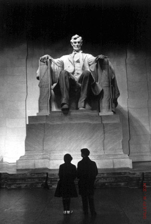 Carl Mydans, Young Americans at Lincoln Memorial